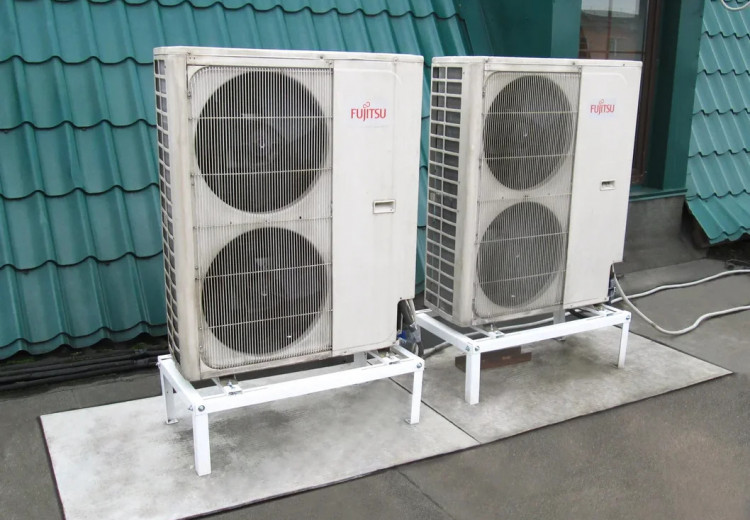 Мультизональные VRF системы различных брендов общей холодопроизводительностью более 500 кВт.